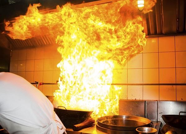 Sử dụng bếp từ công nghiệp để loại bỏ những nguy cơ tiềm ẩn