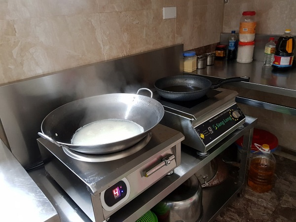 Bếp từ ăn lẩu công suất lớn