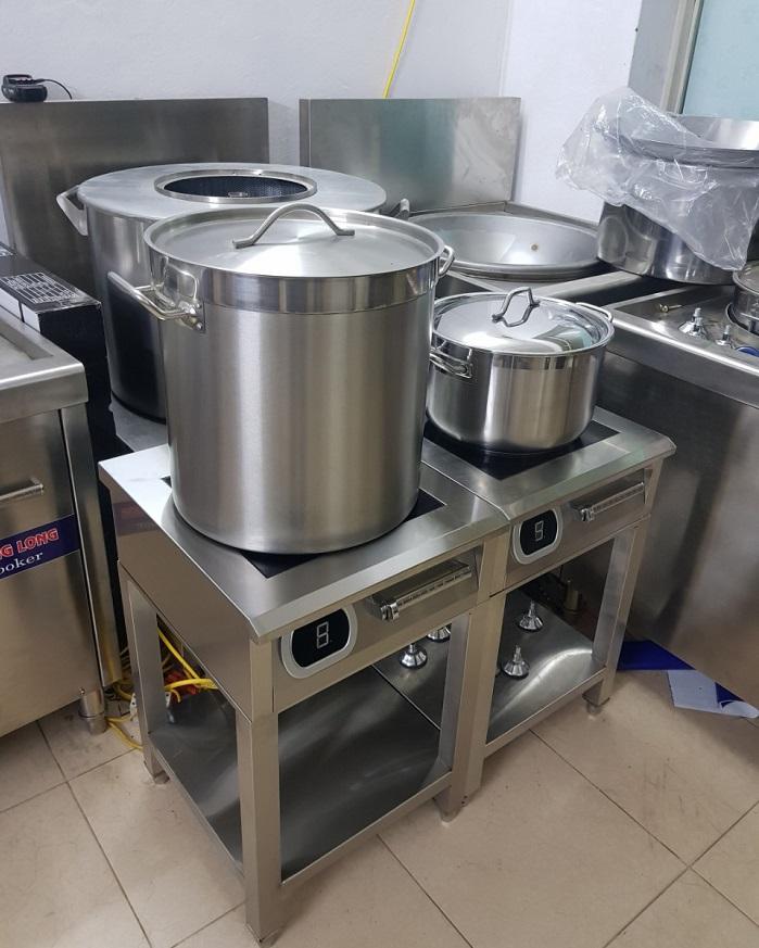 Bếp từ 5kw có chân
